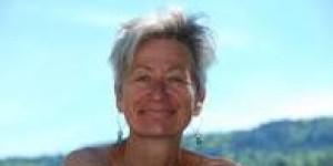 Séance de méditation olfactive par Jutta Lenze, aromathérapeute